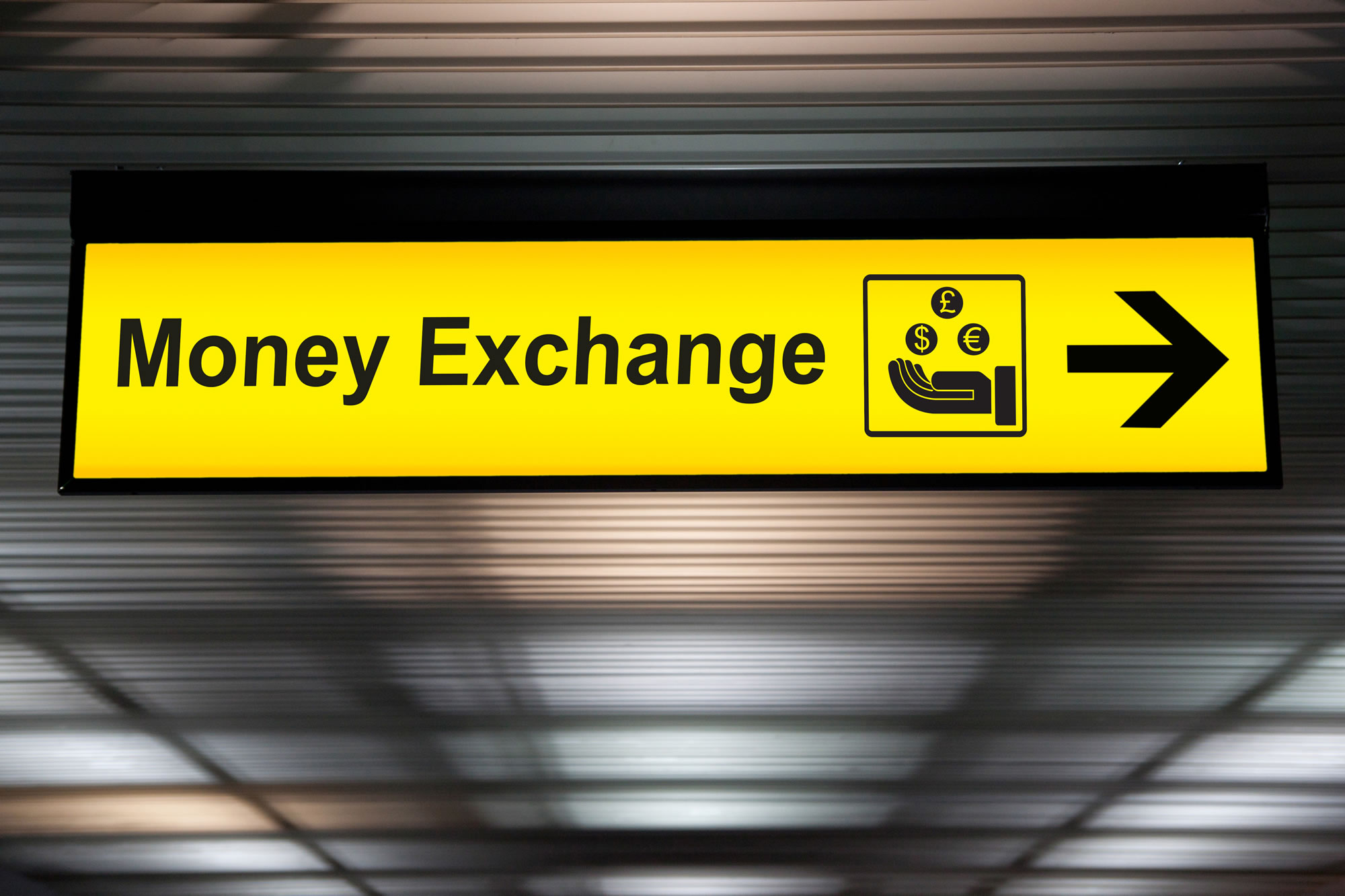 exchange foreign currency at the airport